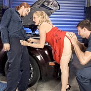 Stockings Milf Does Two Mechanics