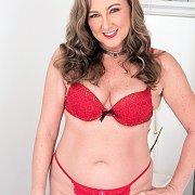 Sexy 49 Year Old Jessie Reines Strips