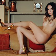 Gold Heels Nude Beauty With Smooth Pussy