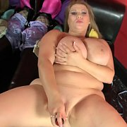 Masturbating Big Woman With Huge Tits