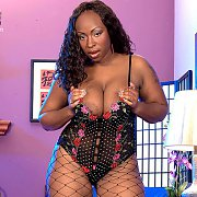 Plump Ebony Babe In Lingerie And Fishnets