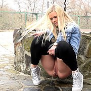 Tip-Toed Blonde