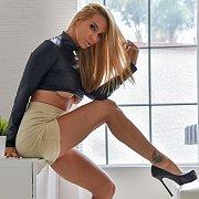 Sexy Legs Milf Strips