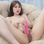 Tasty Housewife Ready To Give Oral Sex