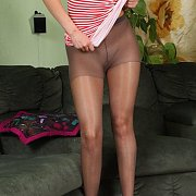 Amateur Girl In Her Nylons