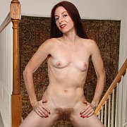 Hairy Housewife Evane Nordstern