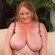 Sienna is a Chubby Mature Woman