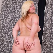 Horny Fat Teen Masturbates