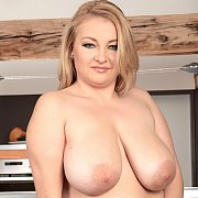 Krissy Dawson is an XL Girl