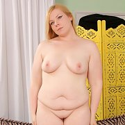 Blonde BBW Spreads