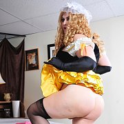 Naughty And Horny Goldilocks