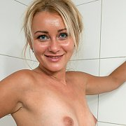 Getting Wet In The Tub With Nancy Acty