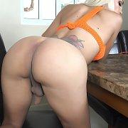 Round Booty Blonde