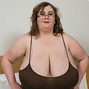 Beatrice Big Boobs Milf
