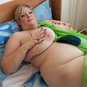 Debbie Naked BBW in Bed