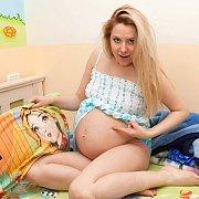 Goofy Pregnant Anny