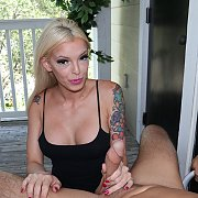 Bella Ink Gives Hubby a Sexy Handjob As Reward