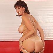 Vanessa Videl Gets Naked