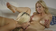 3:34 Mommy Lovers