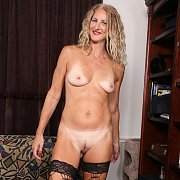 Mature Blonde Layla Wolf