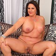 Mature Slut Leylani Wood Gets Naked