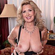 Large Boob Blonde Mature Mom