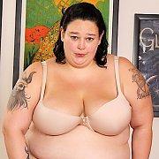 BBW Valhalla Lee Gets Naked & Sucks