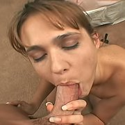 Amateur Blows On Her Knees