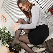 Hot Pantyhose Woman With A Glorious Bottom