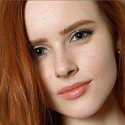 Light Freckles Slim Redhead