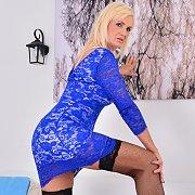 Blonde Bombshell Roxana Hanova
