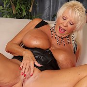 Mature Slut Mandy Mcgraw Gets Naked