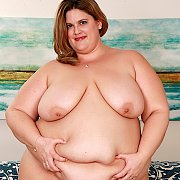 Fatty Slut Erin Green Gets Naked For You