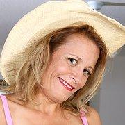 Cowgirl Hottie Jade Allan