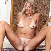Sexy Mature Zoe Marks