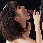 Waka Shitou Gets Oral Gangbang