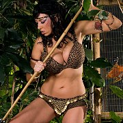 Jungle Bikini Milf Cougar Gets Her Prey