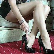 Pantyhose Milf Teaser In Heels