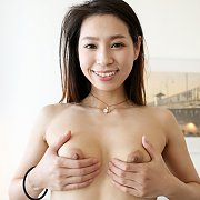 Chinese Coed Girl Diddles Herself