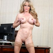 Wicked Fit Milf In Stockings