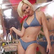 Bikini Stripping Blonde Lady