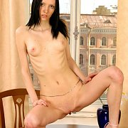 Lanky And Skinny Nude Woman Sherry Showing Her Smooth Pussy