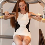 Young Redhead Beauty No Panties Upskirt