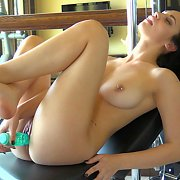 Raven Teen Masturbates In The Gym