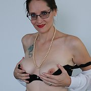 Hot MILF Christine Sapphire Promoted With Blowjobs