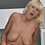 Mature & Sultry with Roxana