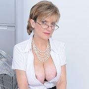 Lady Sonia Secretary