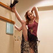 Flexible Redhead Coed Girl In Heels