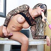 Horny Tranny Rides A Fucking Machine with Juliana Leal