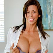 Mind Your Manners with Alexis Fawx